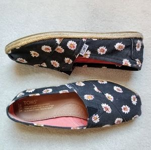 TOMS Daisy Canvas Rope Espadrilles